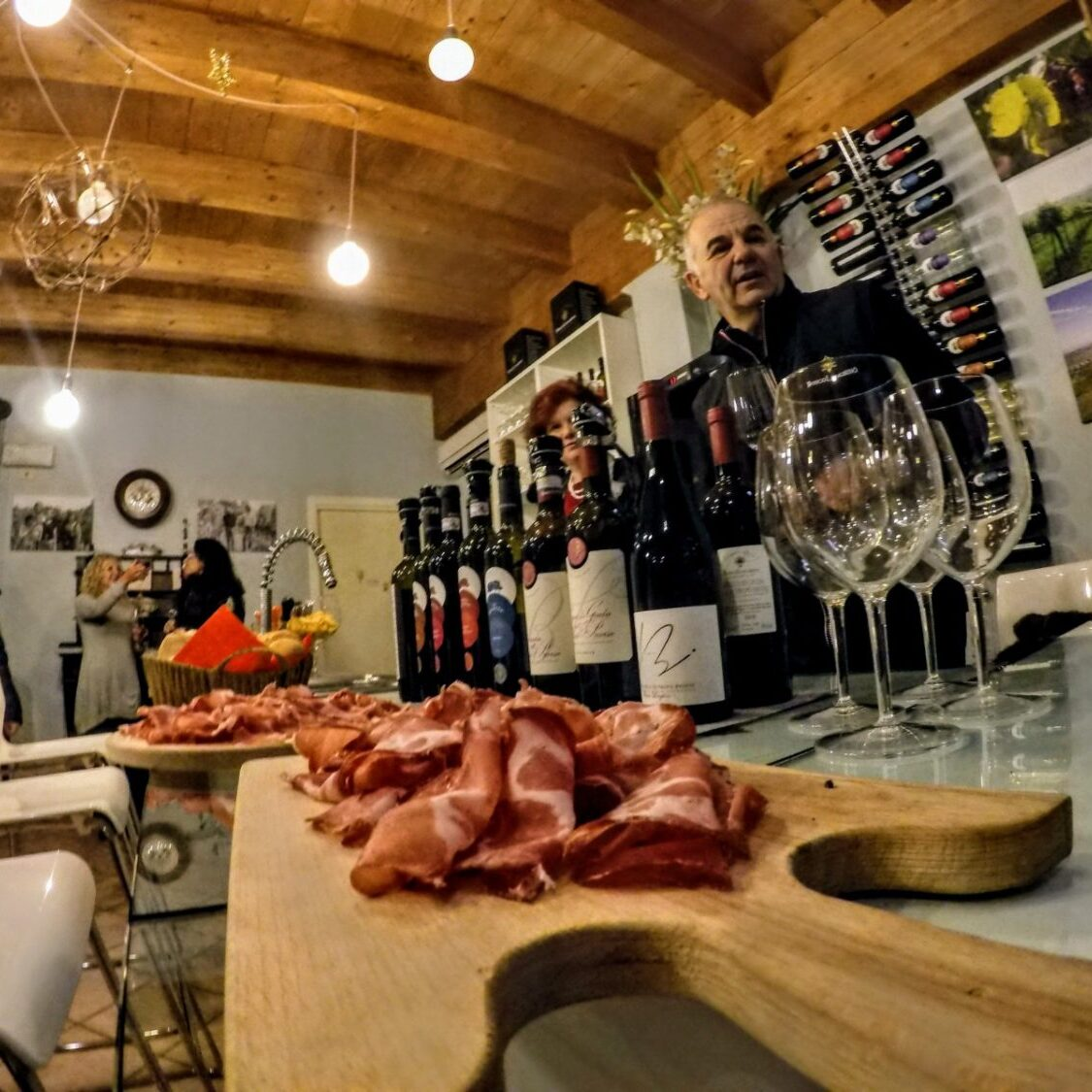 bosco_longhino_visite_degustazione_vino_in_cantina_oltrepo_pavese_con_aperitivo